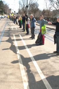 2011-03-12 Anti-AKW-Menschenkette von Stuttgart nach Neckarwestheim2